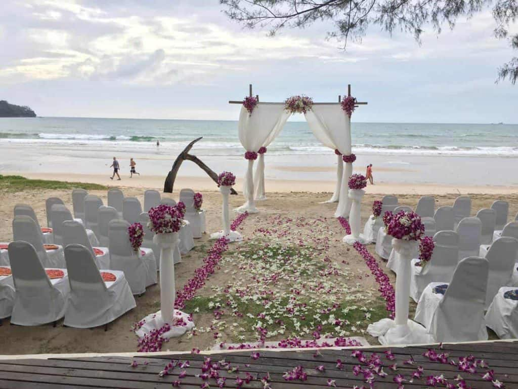 Phuket Beach Club Wedding Flowers
